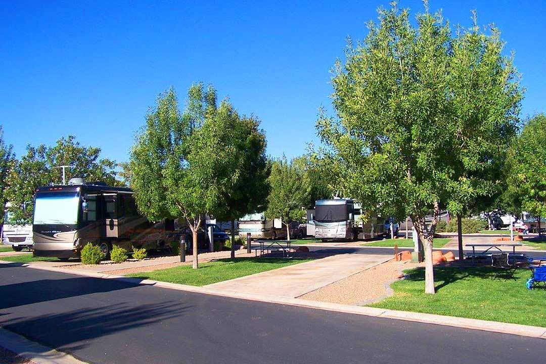 Zion rv and campground zion river resort zion virgin for Camping grounds with cabins