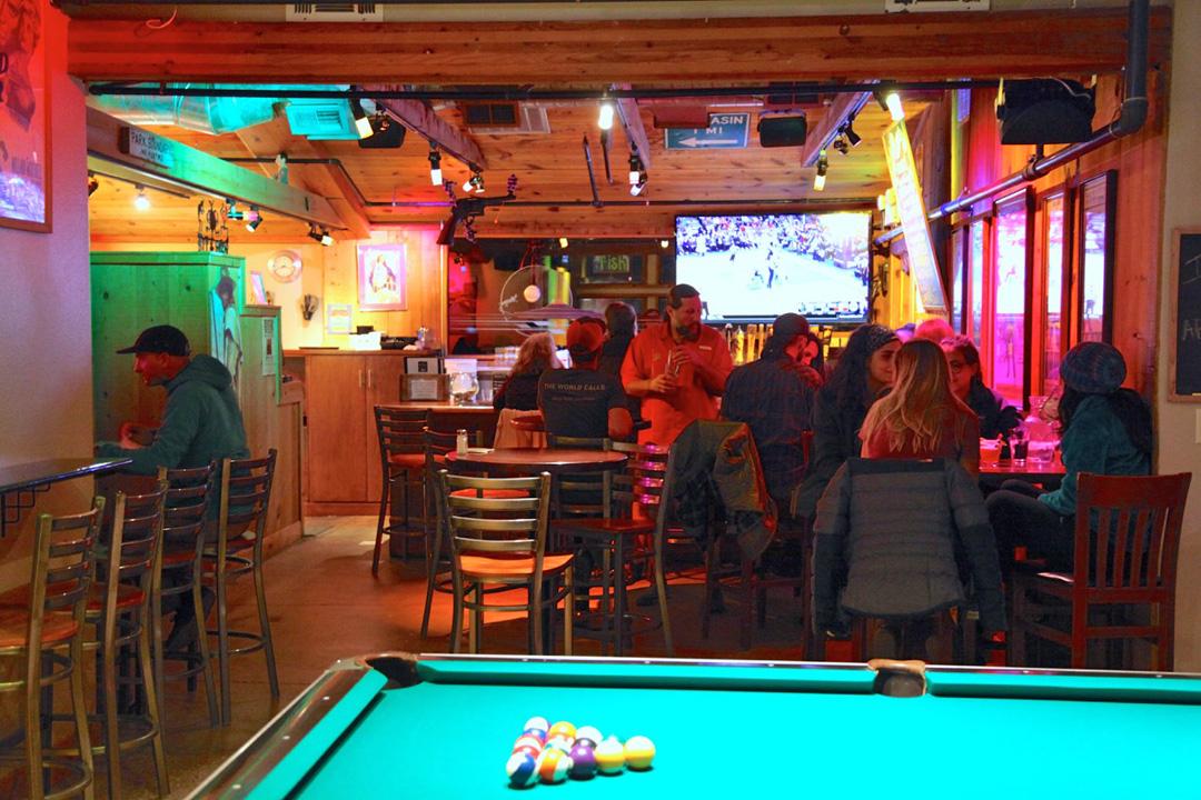 Restaurant Bar In Zion Bit Spur Restaurant Saloon Springdale